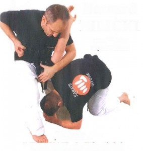 karate defense bernard billicki Roanne2